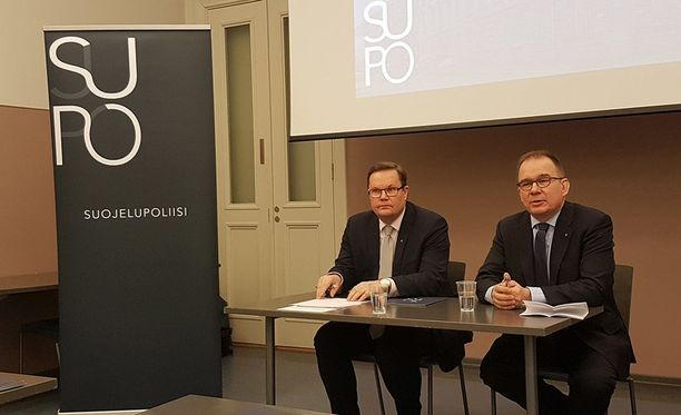 Vastatiedustelupäällikkö Seppo Ruotsalainen ja päällikkö Antti Pelttari kertovat tiedustelun haasteista.
