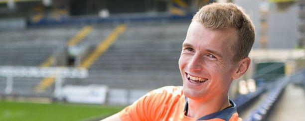 Lukas Hradecky koppailee palloja alkavalla kaudella Saksan Bundesliigassa.