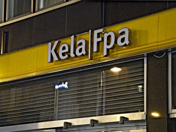 Kelan pääjohtajan palkka on ollut 18 000 euroa kuukaudessa. Kuvassa Kelan konttori Helsingin keskustassa.