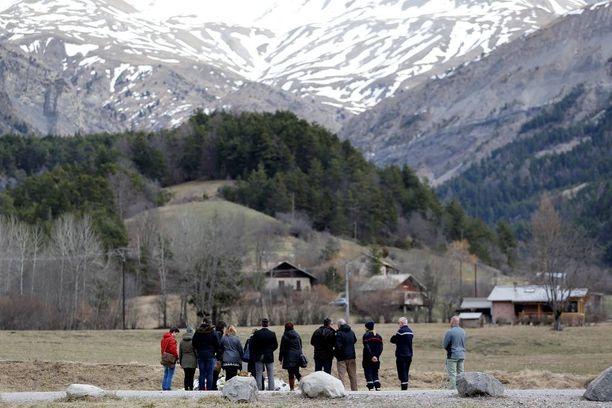 Monien kuolleiden läheiset suuntasivat tragedian jälkeen Alpeille.