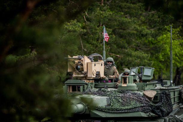 Amerikkalaismedian mukaan Trump suunnittelisi amerikkalaisjoukkojen vetämistä Saksasta. Kuva sotaharjoituksesta Saksasta 2017.