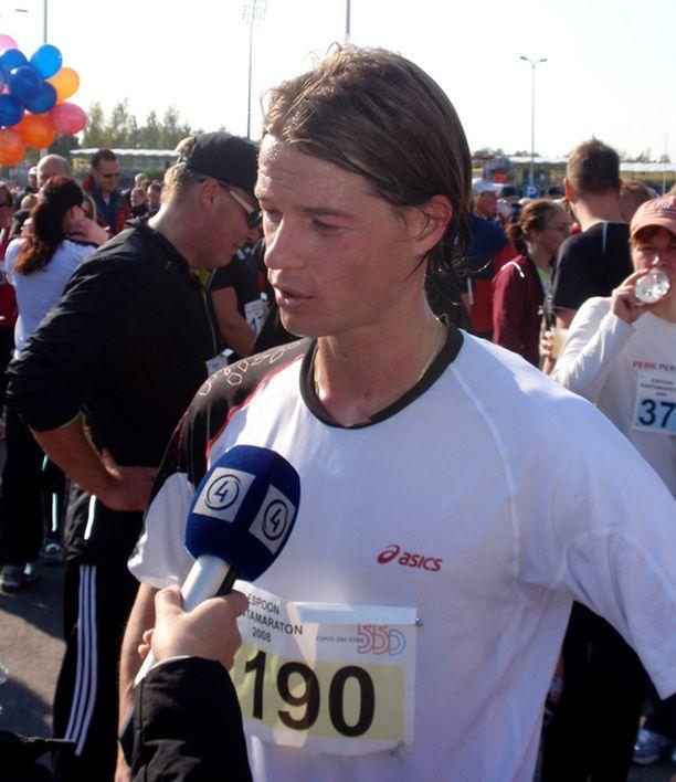Maalissa hyvävoimaisen oloinen Mika Lehkosuo kertoi juoksun menneen nappiin.
