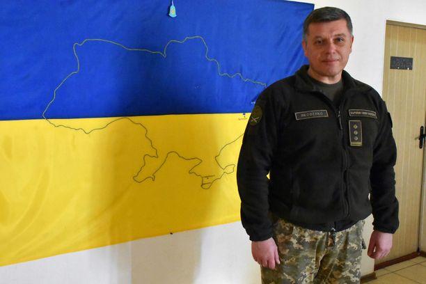 Esikuntapäällikkö Andrii Jakovenko sanoo, etteivät ukrainalaiset neuvottele niin sanottujen kansantasavaltojen edustajien kanssa, vaikka Venäjä siihen pyrkii.