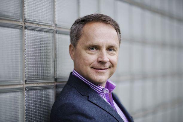 Pekka Järvisen mukaan valeprofiilit ja botit ovat Twitterissä varsin yleisiä.