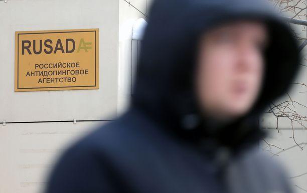 Venäjän antidopingliitto Rusadan toimintaoikeudet ovat vaakalaudalla. Asiasta päättää Wadan hallitus tiistaina.