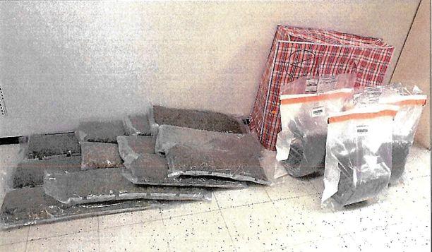 Marijuana oli vakuumiin pakattu.