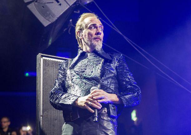 Peter Murphy tunnetaan parhaiten Bauhaus-yhtyeestään.