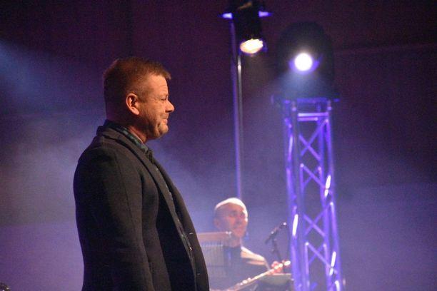 Jari Sillanpään konserttisalikiertue alkoi tänään Oulusta.
