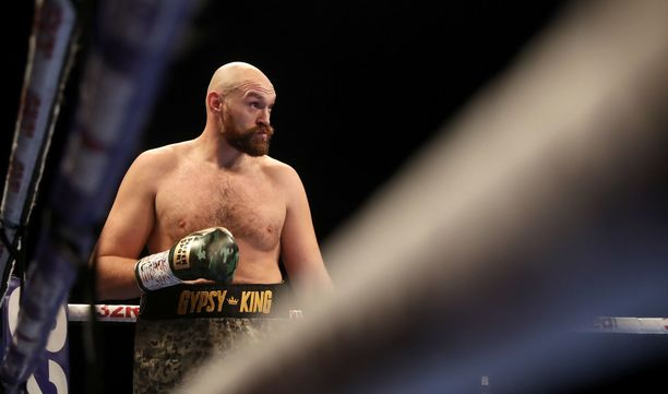 Tyson Fury kohtasi Francesco Pianetan elokuussa. Kolmessa kuukaudessa miehen keskivartalo on selvästi kiristynyt.