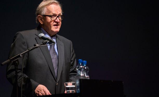 Martti Ahtisaari kuitenkin muistuttaa, että Suomi on varsin avoin kansa.