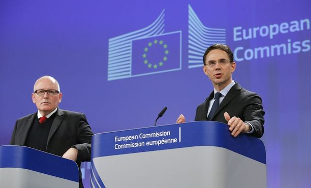 Jyrki Katainen on ollut vahvin nimi Junckerin seuraajaksi.