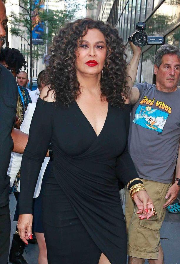 Tina Knowles matkalla Today-show'n kuvauksiin.