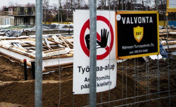 63-vuotias mies kuoli rakennustyömaalla Espoossa tiistaina. Kuvituskuva ei liity tapaukseen.