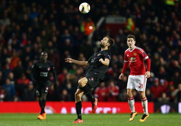 Sparv pääsi pelaamaan tanskalaisseuran riveissä myös Eurooppa-liigaa. Kuva kaudelta 2015-16 ottelusta Manchester Unitedia vastaan.