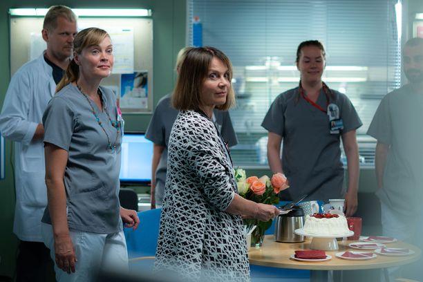 Paljon onnea, Lenita! Ensimmäisessä jaksossa on juhlan aika ja kakkua tarjolla.