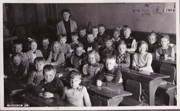 Tämä luokkakuva on luultavasti vuosilta 1953-1955.