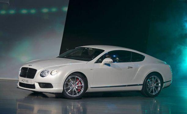 Bentley Continetal GT - kun näitä tuli aikoinaan 2 Suomeen, se oli uutinen.