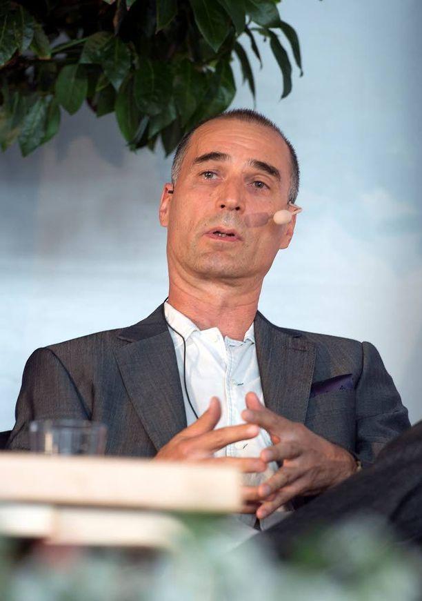 Ymmärrän hyvin, että Ahon on vaikea olla tarttumatta tarjoukseen, sanoo professori Markku Kangaspuro.