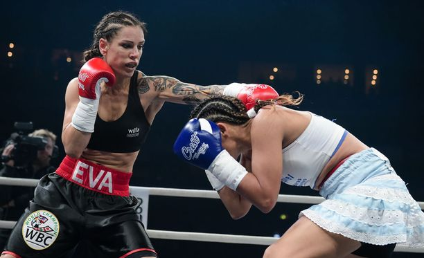 Eva Wahlström puolusti menestyksekkäästi MM-vyötään.