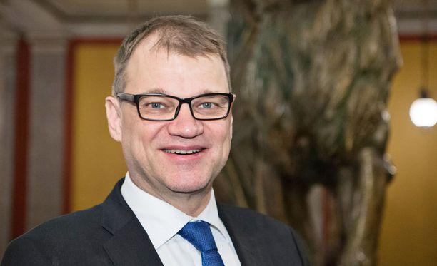 """Turvapaikanhakijoiden salakuljettajat käyttivät Sipilän pakolaisille lupaamaa asuntoa """"Suomen markkinoinnissa""""."""