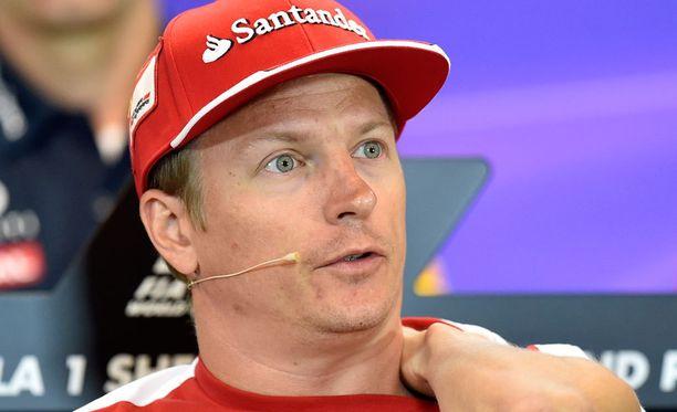 Kimi Räikkönen saa jatkossakin tehdä yhteistyötä James Allisonin kanssa.
