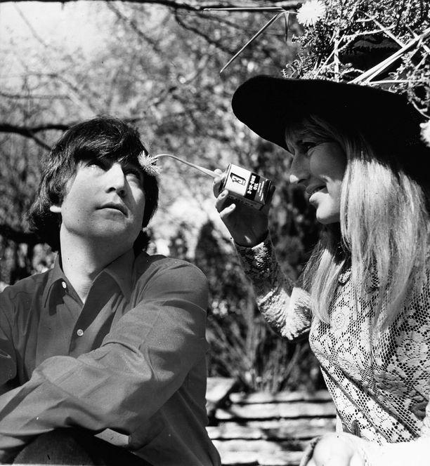 John ja Cynthia Lennonin avioliitto ei ollut ruusuinen.
