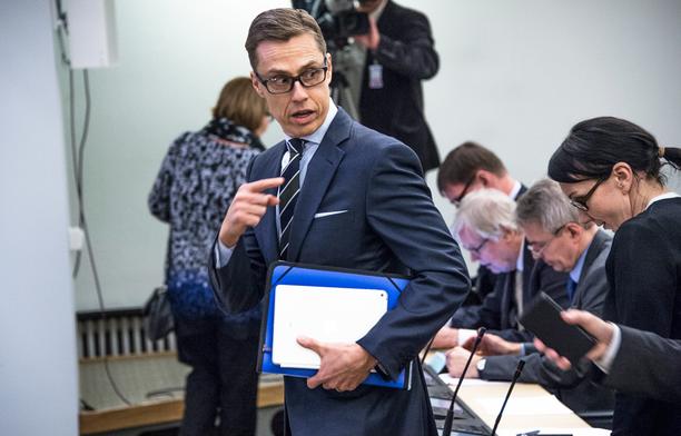 Valtiovarainministeri Alexander Stubb pyysi jälleen virhettään anteeksi.