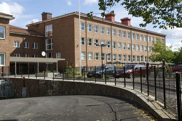 Ainakin 29 Tampereen Kalevan lukion abiturienttia on saanut vatsatauti- ja oksenteluoireita.