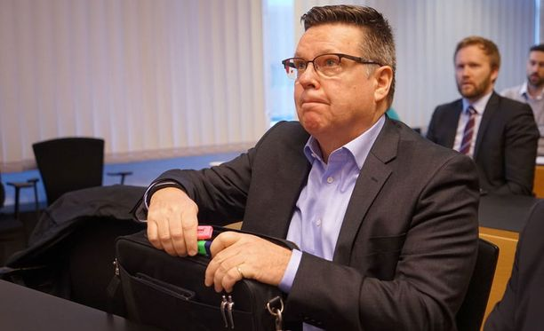 Jari Aarnioon liittyvä oikeudenkäynti jatkui perjantaina niin sanotun Pohjois-Savon naisen loppulausunnolla.