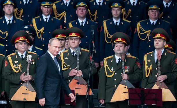 Vladimir Putin kävi avaamassa Venäjän asevoimien näyttelyn Kubinkassa Moskovan lähellä.