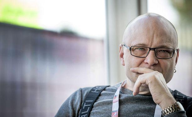 Tapio Suominen kertoo, että korkki on nyt kiinni.