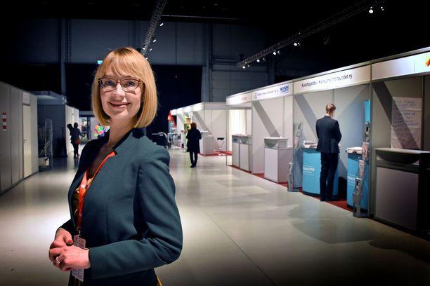 SDP:n kansanedustaja Tytti Tuppurainen moittii pääministeri Juha Sipilän EU-linjauksia.