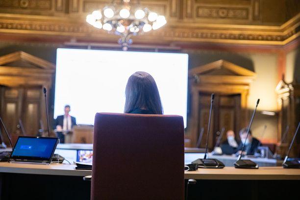 Pääministeri Sanna Marin johtamassa kehysriihineuvotteluja Säätytalolla.