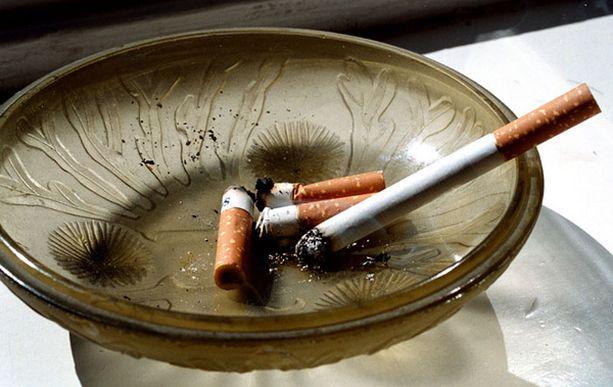 Tupakointiin kuolee vuosittain yli 5 miljoonaa ihmistä.