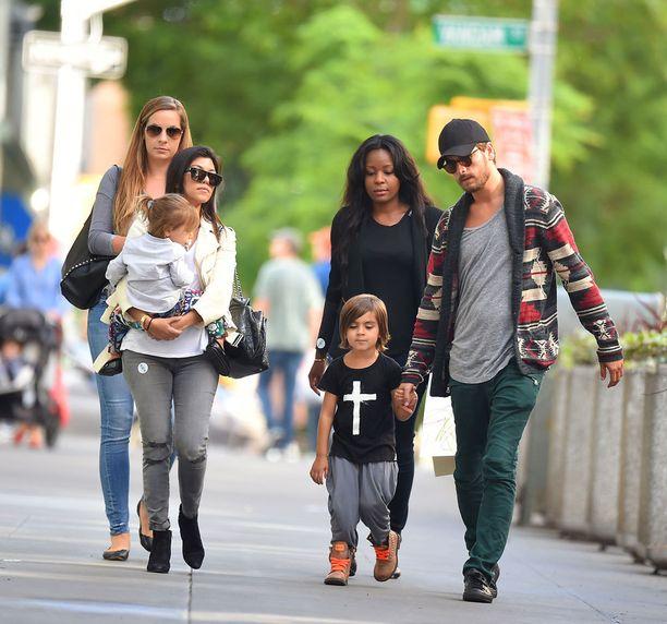Kourtney Kardashianilla ja Scott Disickillä on kolme pientä lasta.