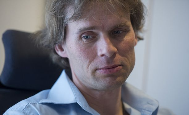 Kansallisbaletin johtaja Kenneth Greve toimii tehtävässään kautensa loppuun 31.7. saakka.