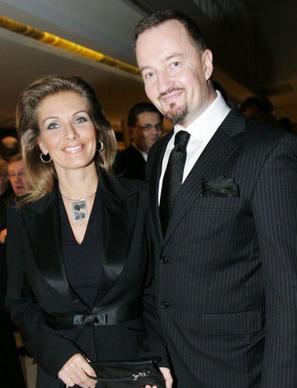Tanja ja Olli Saarela kuvattuna silloin, kun avioliitto oli vielä voimissaan.