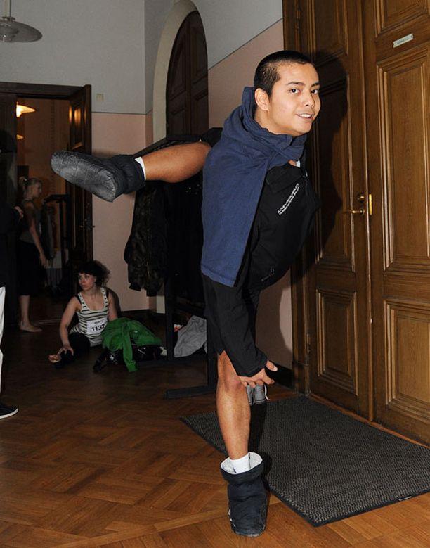 Kansallisbaletin tanssija Sam Vaherlehto osallistui koetansseihin Helsingissä.