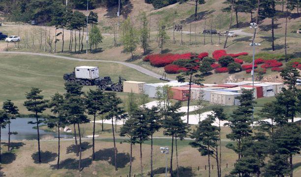 Ohjuspuolustusjärjestelmäö asennetaan entiselle golfkentälle Etelä-Koreassa.