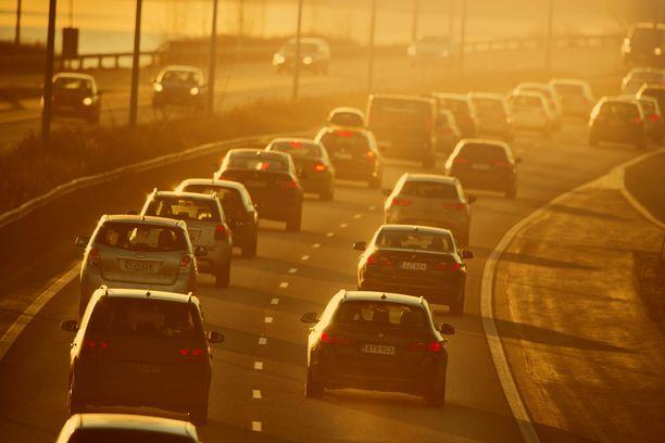 Viidennes Suomen kasvihuonepäästöistä syntyy liikenteestä.