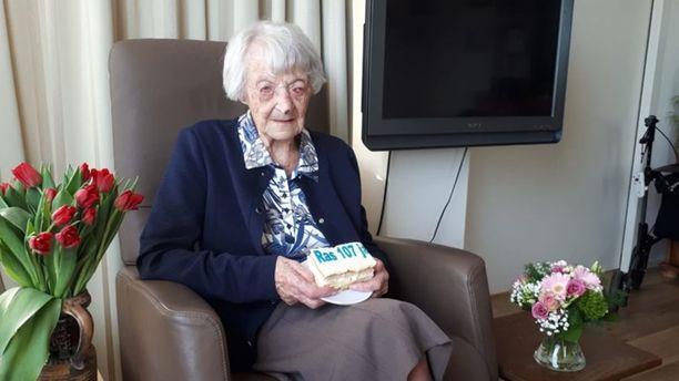 Hollantilainen Cornelia Ras vietti maaliskuussa 107-vuotispäiväänsä.