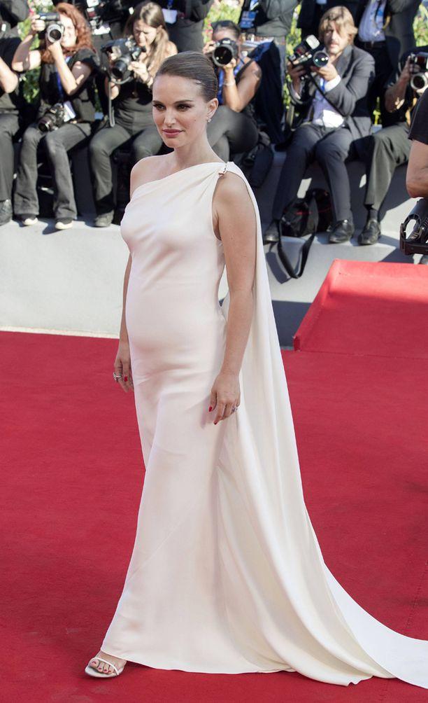 Natalie Portman rakastui mieheensä Black Swan -elokuvan kuvauksissa.