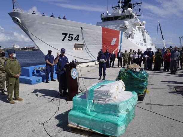 Yhdysvaltain rannikkovartioston haaviin jäi 27 tonnia kokaiinia ja 650 kilogrammaa kannabista.