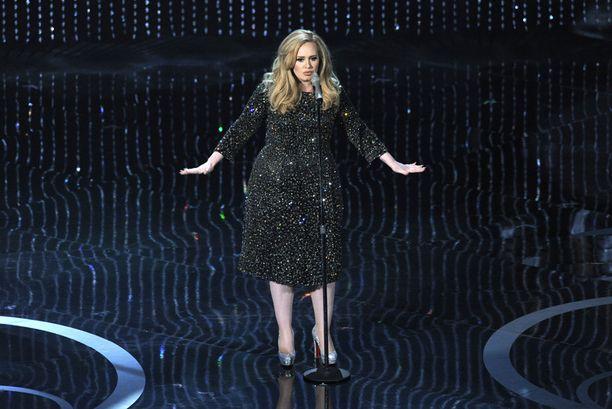 Adele voitti Oscarin parhaasta kappaleesta.
