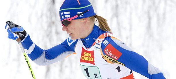 Virpi Kuitunen ja Pirjo Muranen kisaavat sprintin kärkipaikoista.