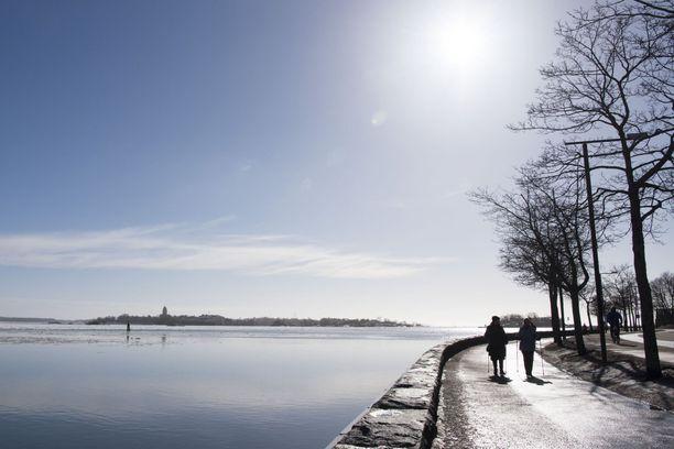 Viikonloppuna koko maassa saadaan nauttia auringonpaisteesta.