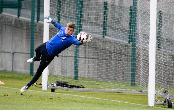 Jesse Joronen matkaa Italiaan. Tietojen mukaan Brescia maksoi hänestä useamman miljoonan euron siirtokorvauksen FC Kööpenhaminalle.
