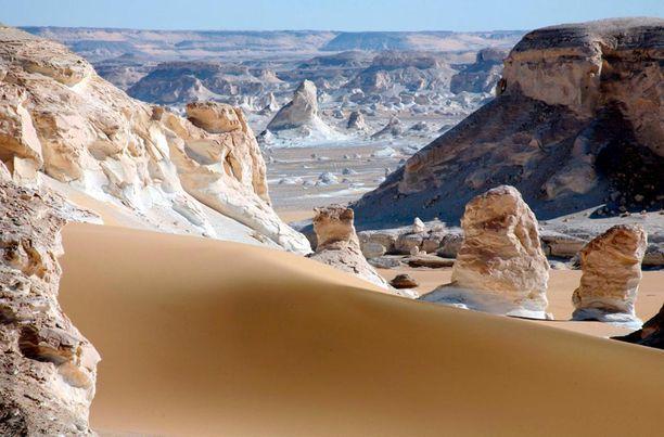 Egyptin valkeaa erämaata.