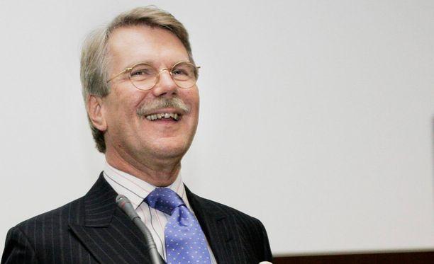 """Suuri yleisö Suomessa on mieltänyt Dansken pitkään """"Nallen"""" eli Björn Wahlroosin pankiksi."""