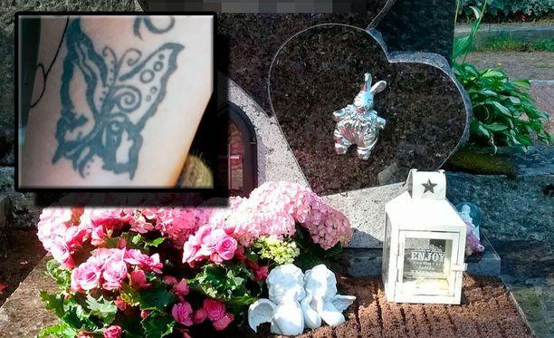 Turmassa kuolleen tytön kummitädin käteen on tatuoitu perhonen, joka on tytön piirtämä. Tytöstä piti tulla automaalari.